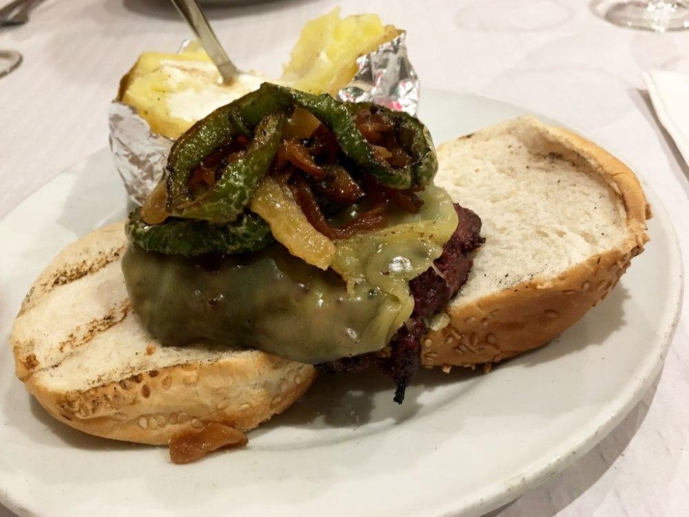IMG_2996-Alfredos-Barbacoa-Madrid-Hamburguesa-Southern-Jack-Burger
