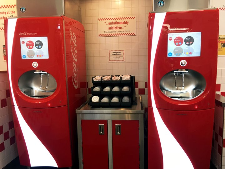 IMG_3163-Five-Guys-Hamburgueseria-Madrid-Coca-Cola-Freestyle-Maquina-Refrescos