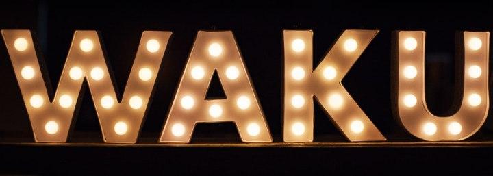 Waku-Tequeños-que-molan-cartel-luminoso