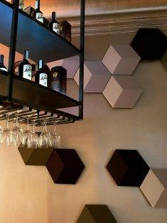 CasaDecor-2018-Bar-Ron-Matusalem-Altavoces-BeoSound-Shape-Bang-and-Olufsen